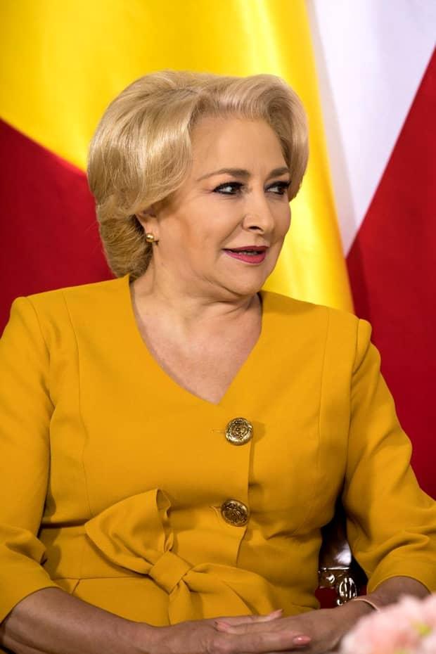 Viorica Dăncilă, ținută impecabilă la ședința PSD. Cum s-a îmbrăcat premierul. FOTO