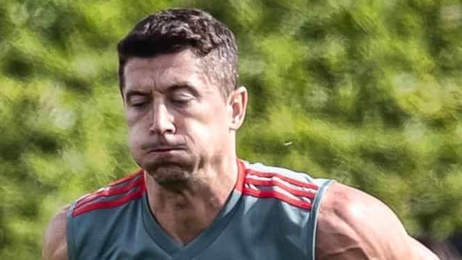 """Robert Lewandowski s-a transformat în Hulk! Fanii lui Bayern Munchen s-au speriat: """"A dormit în sală"""" Foto"""