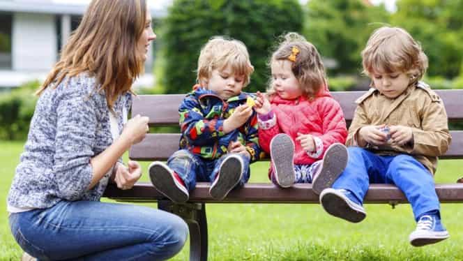 Ce prevede noua lege a pensiilor: Mamele cu cel puțin 3 copii, avantajate