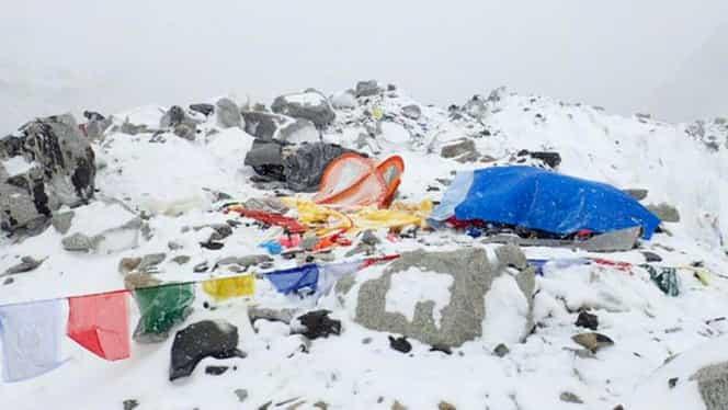 Nou seism cu magnitudinea de 6,7 în Nepal şi India. Replica a declanşat trei avalanşe
