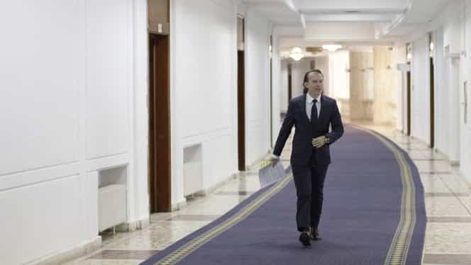 """Ministrul Finanțelor: """"Nu se ia în calcul tăierea salariilor bugetarilor și pensiilor"""""""