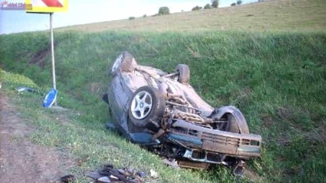 Tragedie pe DN1. Doi tineri au fost găsiţi morţi lîngă o maşină