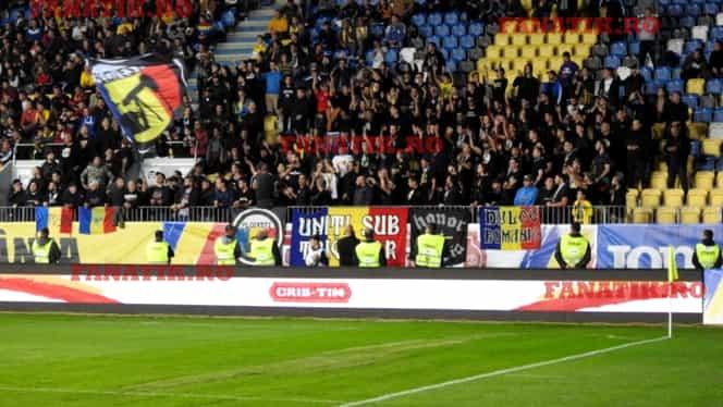 """Ultrașii din grupul """"Uniți sub tricolor"""" au comis-o din nou! Scandări xenofobe la România U21 – Ucraina U21"""
