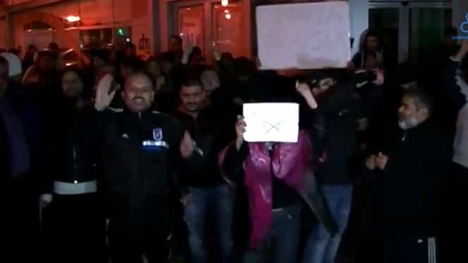 VIDEO / Mititelu a devenit FAN Iohannis! A IEŞIT în STRADĂ de fericire