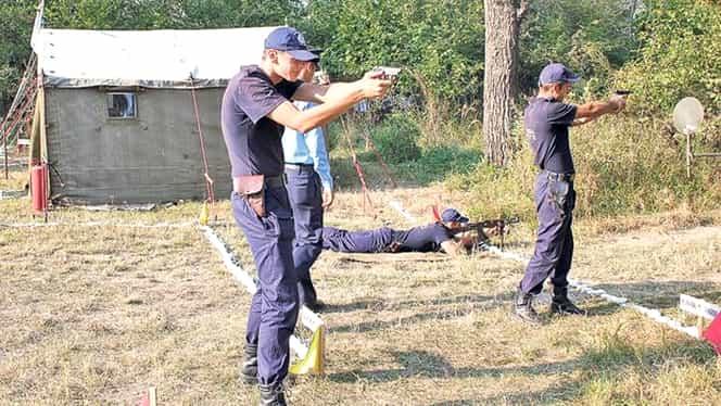 Poliţiştii vor putea trage cu pistolul în infractori. Chiar şi fără somaţie