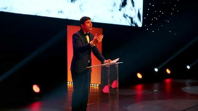 Prezentatorul Galei Premiilor Gopo 2020, adus cu izoleta pe scenă