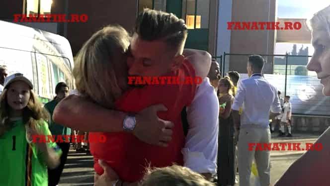 Imaginea emoţionantă a serii după România – Croaţia 4-1! Ionuţ Radu, îmbrăţişat de mama lui, cu ochii în lacrimi! Video