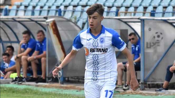 """Mama lui Octavian Popescu recunoaşte: """"Tavi e dorit de FCSB!"""" Piţurcă i l-a servit lui Gigi Becali: """"Am semnat recent cu Giovanni Becali!"""" Prima reacţie a fotbalistului de la U Craiova. EXCLUSIV"""