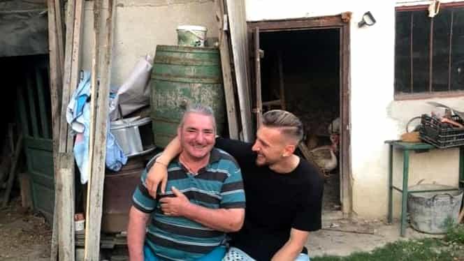 """Ionuţ Radu nu şi-a uitat bunicii după EURO U21! Imaginea emoţionantă de 15.000 de like-uri: """"Nici vara viitoare nu ajung la ţară!"""" Foto"""