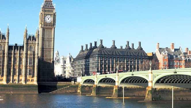 Londra, sub ameninţarea teroristă. Poliţia va desfăşura un număr suplimentar de ofiţeri pentru protejarea polulaţiei