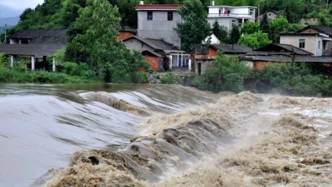 Cod portocaliu de inundaţii. Avertizarea e valabilă pentru mai multe judeţe din România