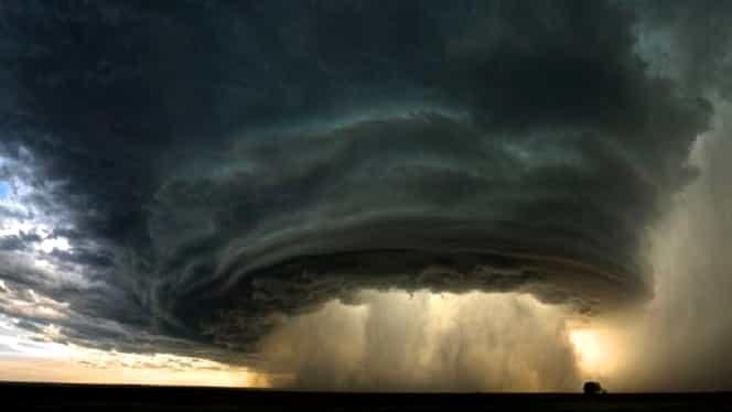 """ANM anunță că România va fi lovită de un ciclon în acest weekend! Meteorolog: """"Mare atenţie la litoralul românesc"""""""