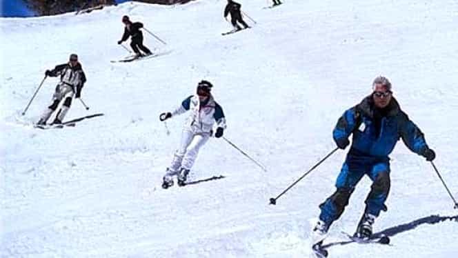 Iarnă în toată regula pe Valea Prahovei. Sezonul de schi se prelungeşte