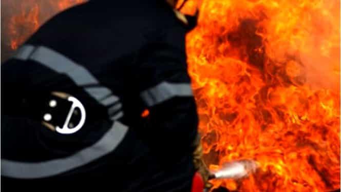 Incendiu violent într-un bloc din Paris: 7 răniţi