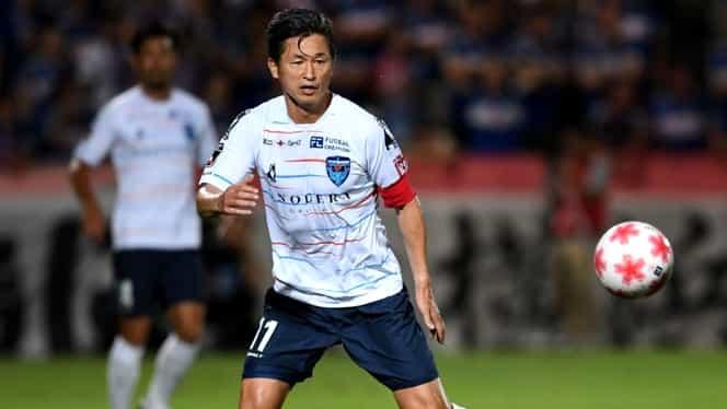 """""""King Kazu"""" Kazuyoshi Miura, cel mai bătrân fotbalist profesionist din lume. Joacă şi la 53 de ani!"""