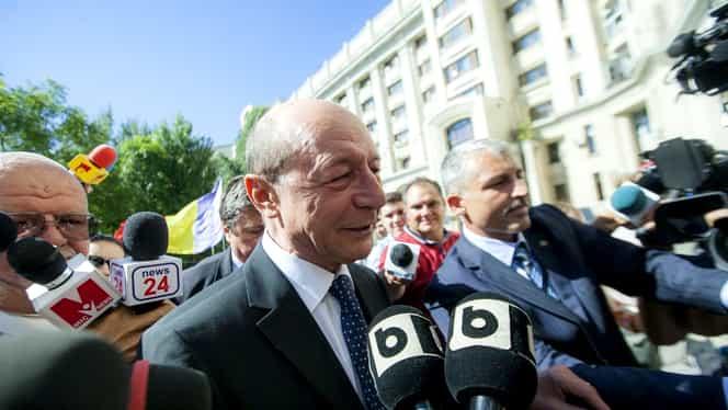 """Traian Băsescu, despre referendumul pe Justiție: """"E riscant. Iohannis a făcut aceeași greșeală ca mine"""""""