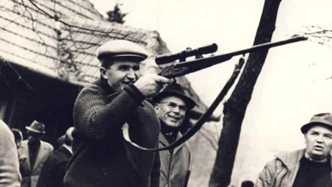 Legende vânătorești cu Nicolae Ceaușescu! Colecția de arme a fostului dictator este expusă la Muzeul Militar din București