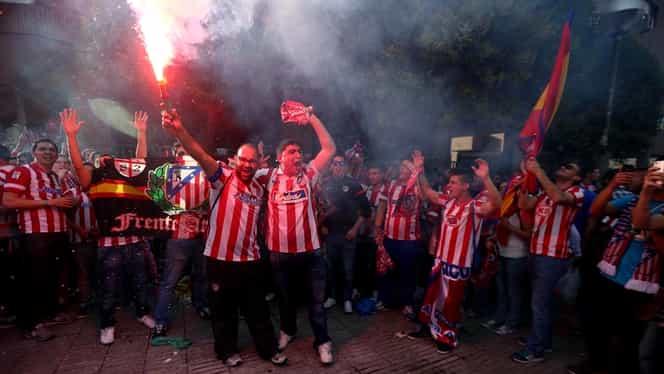 """Foto. Incidente pe """"Jose Alvalade""""! Gaze lacrimogene pentru spanioli"""