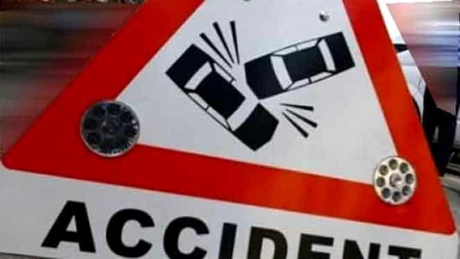 ACCIDENT GRAV în Capitală. Două maşini s-au făcut praf în faţa Guvernului