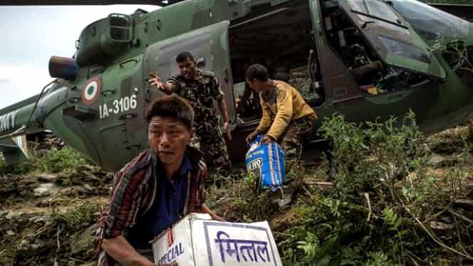 Elicopter cu ajutoare umanitare, prăbuşit în Nepal. Patru oameni au murit