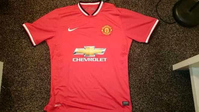 INCREDIBIL! Manchester United a greşit preţurile la noile tricouri şi a pierdut un sfert de milion de euro în 15 minute!
