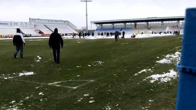 FC Voluntari – FCSB se joacă! Gazdele s-au mobilizat şi au curăţat terenul de zăpadă. FOTO