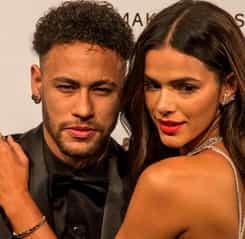 """Neymar s-a despărţit de Bruna Marquezine! Tânăra a confirmat. """"A fost decizia lui!"""" Foto"""