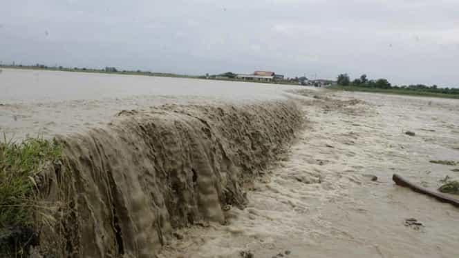 COD PORTOCALIU şi COD GALBEN de inundaţii