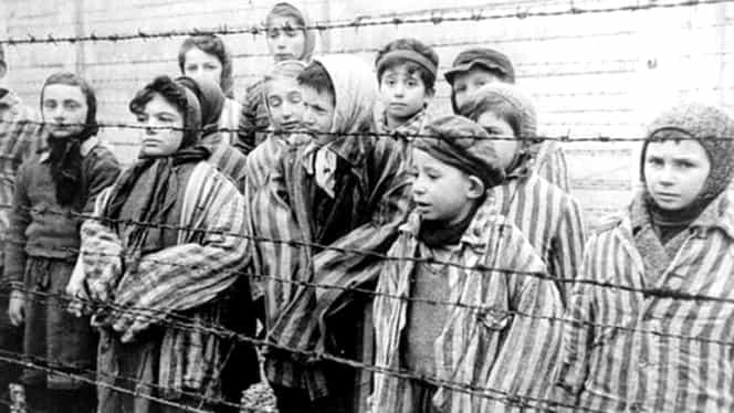 Fotografii cu primii prizonieri din lagărele de la Auschwitz de acum 79 de ani