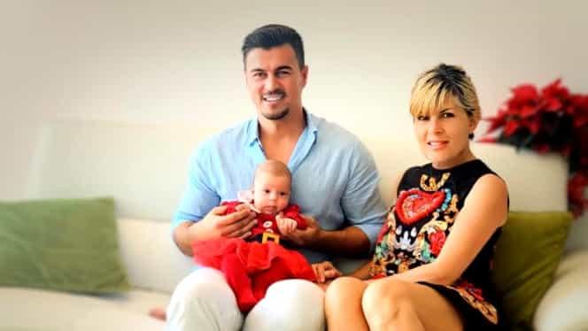 Elena Udrea, fotografiată în timp ce îi face baie fetiței sale. Ce i-au scris prietenii lui Adrian Alexandrov