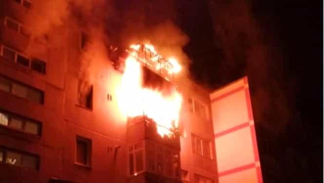 Incendiu uriaș în Drobeta Turnu Severin! 20 de oameni au fost evacuați de urgență