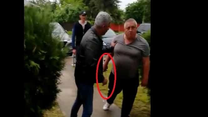 Scandal la Giurgiu! Un viceprimar PSD a scos sabia la liderul local al partidului ALDE! Video uluitor