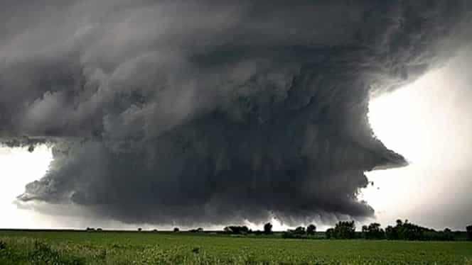 Ciclon deasupra României. Meteorologii au dezvăluit cum influențează fenomenul vremea