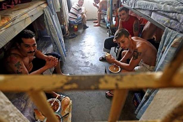 Cum arată penitenciarul Rahova unde va sta Mazăre