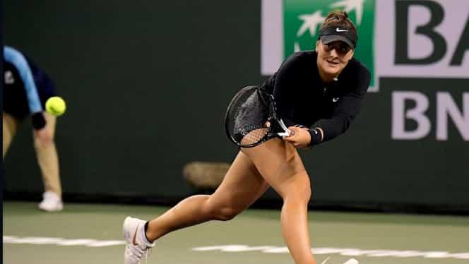 Bianca Andreescu – Angelique Kerber 6-4, 3-6, 6-4. Primul titlu WTA pentru Bianca vine la Indian Wells! Urcă 36 de locuri în clasament și o ajută și pe Halep