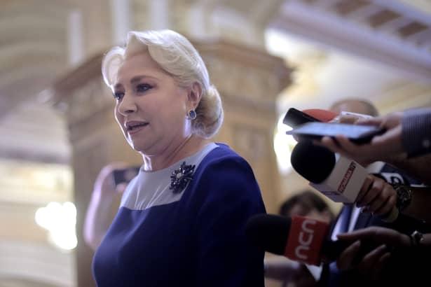 Aşa a apărut Viorica Dăncilă, premierul României, la ultima şedinţă PSD. Sursa foto: Hepta.ro