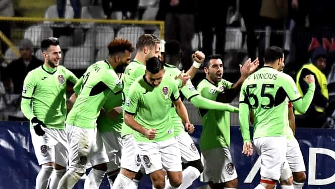 CFR Cluj şi-a prezentat transferurile! Cum arată echipamentul pentru noul sezon
