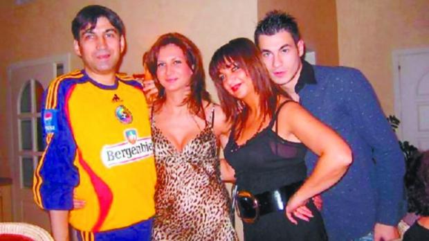 Victor Pițurcă împreună cu Raluca, fiica sa, Maria, soția și fiul Alexandru