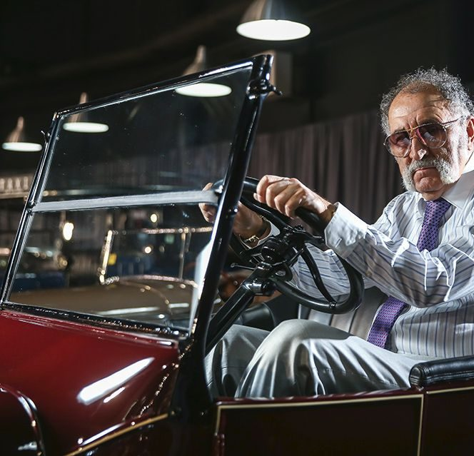"""Ion Țiriac este unul dintre cei mai mari colecționari de mașini din lume: """"garajul"""" său are aproape 400 de exponate!"""