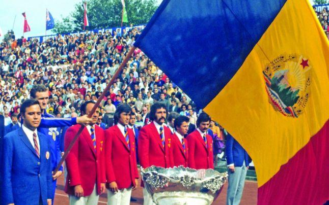 """Ion Țiriac și Ilie Năstase au adus """"Salatiera de Argint"""", trofeul Cupei Davis, la București, în toamna lui 1972"""