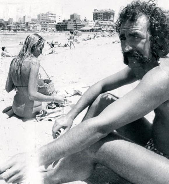 Ion Țiriac și modelul american Mikette von Issenberg la plajă, la Monte Carlo