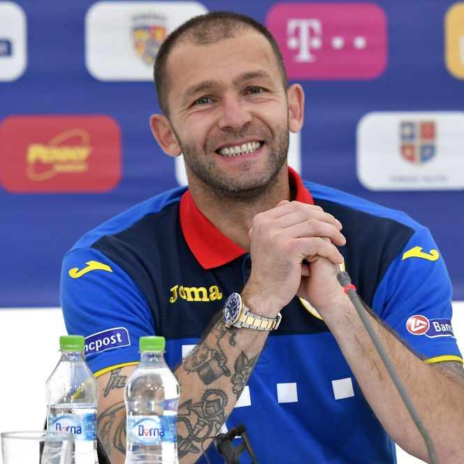 Bogdan Lobonţ la conferinţa de presă susţinută pentru a-şi anunţa retragerea.