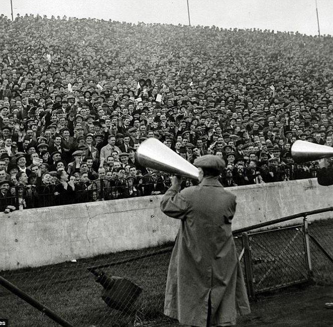 Fotografii rare din fotbal. 12 octombrie 1935: Stamford Bridge, Londra. Chelsea – Arsenal 1-1