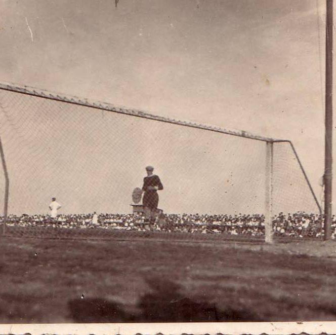 """Fotografii rare din fotbal. Iulie 1934: Ripensia Timișoara (România) - SK Admira Wien (Austria) 4-6 (1-4) pe arena """"Electrica"""""""