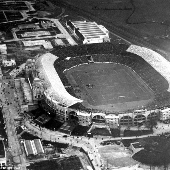 """Fotografii rare din fotbal. 1928: Anglia – Scoția 1-5 pe """"Wembley"""", în faţa a 80.000 de spectatori"""