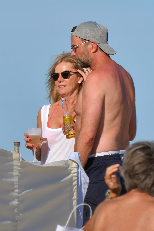 Jurgen Klopp alături de soție