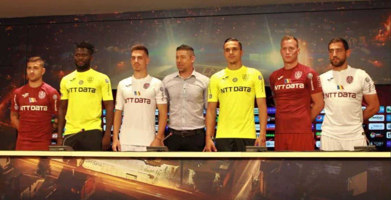 CFR Cluj şi-a prezentat transferurile. Bogdan mara, alături de Adam Lang, Mate Males, Giuseppe de Luca, Robert Ndip Tambe şi Andrei Radu