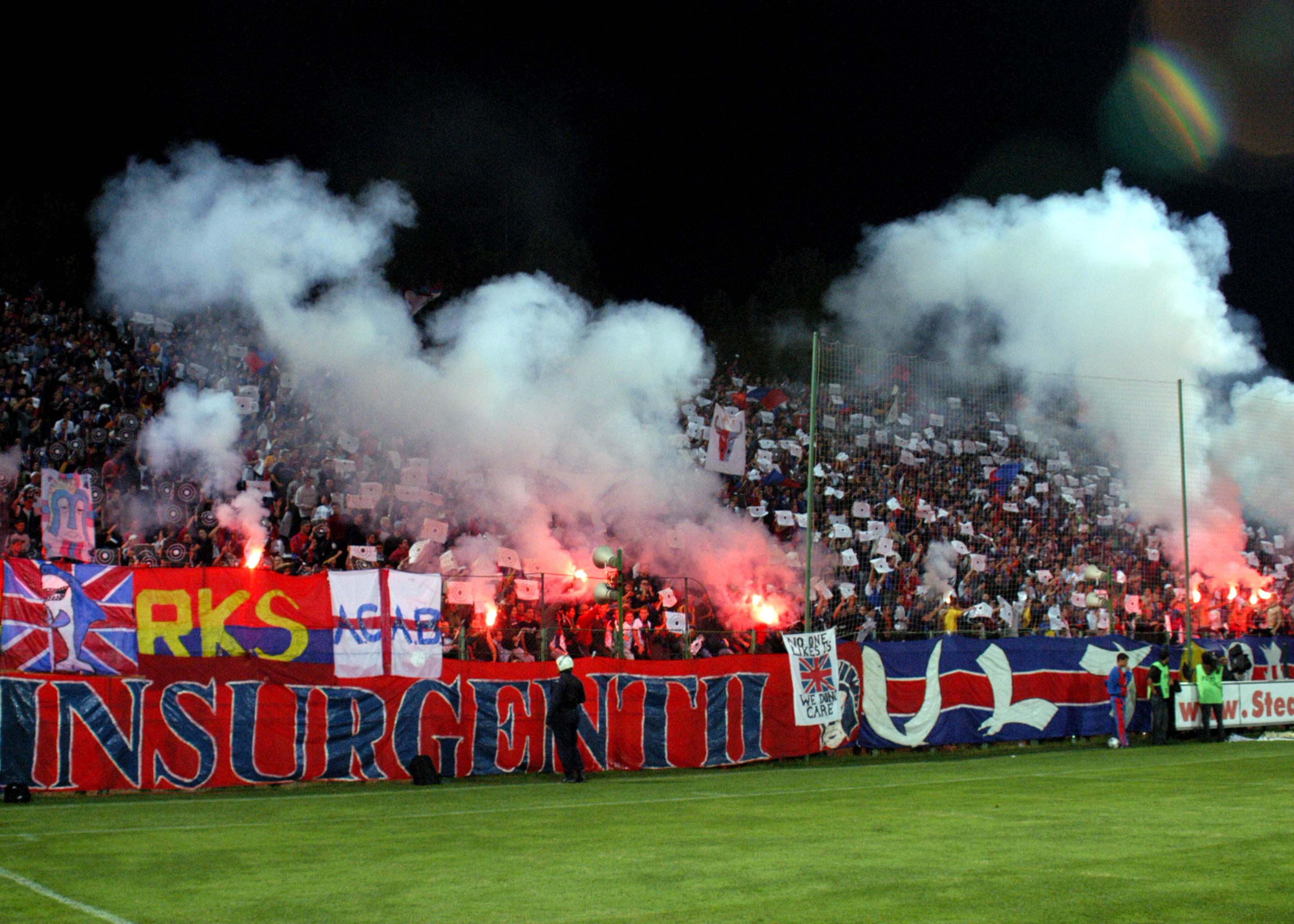 Coregrafie comună Steaua-Dinamo, la un meci din 15 septembrie 2002