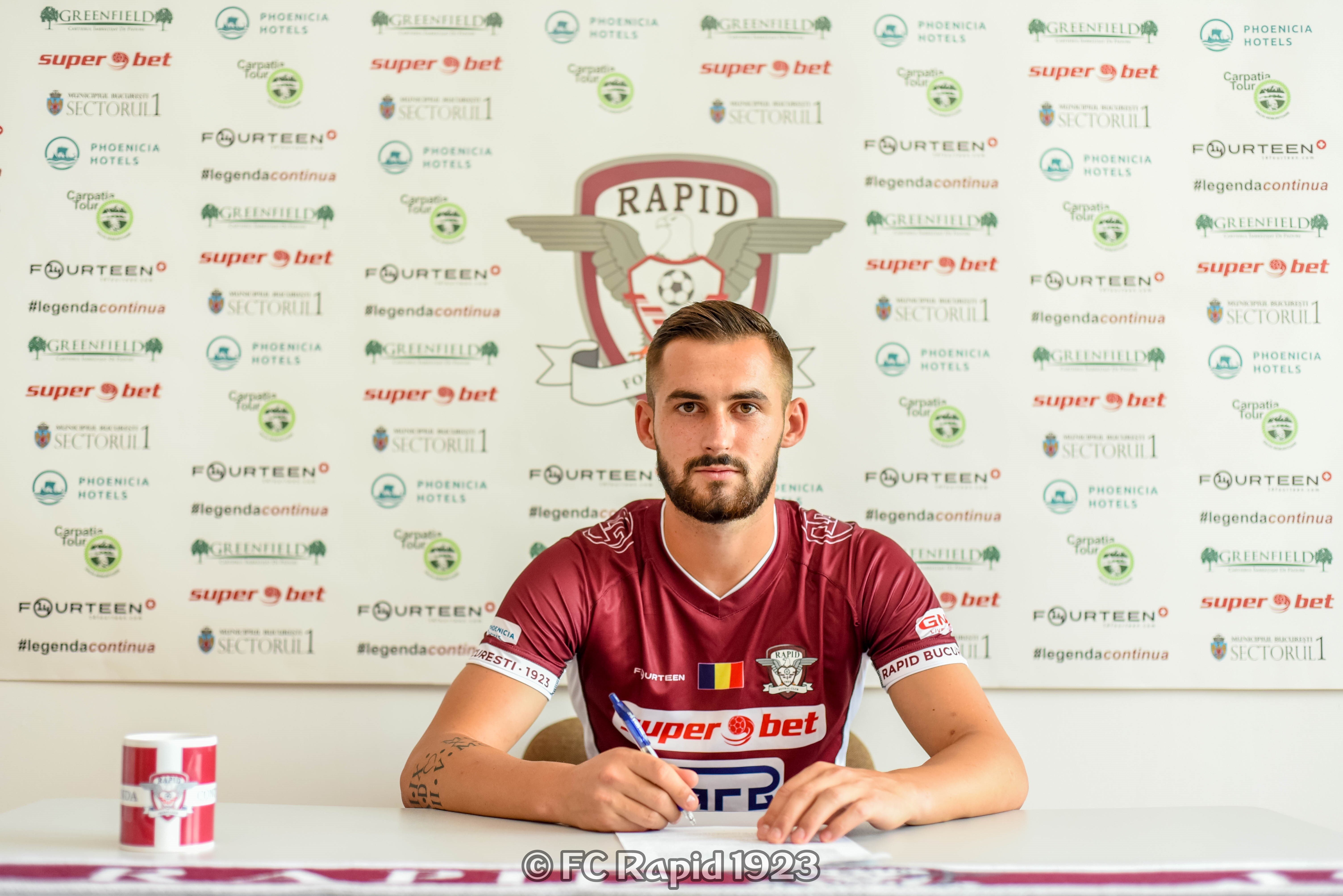 Rapid moved the attacker. Sergiu Jurj, when signing an agreement with rapists