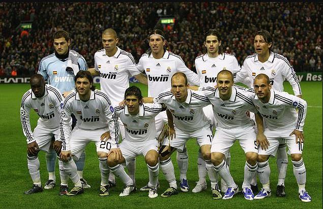 Echipa de start a celor de la Real Madrid la meciul cu Liverpool din 2009, ultimul jucat în Champions League fără Cristiano Ronaldo